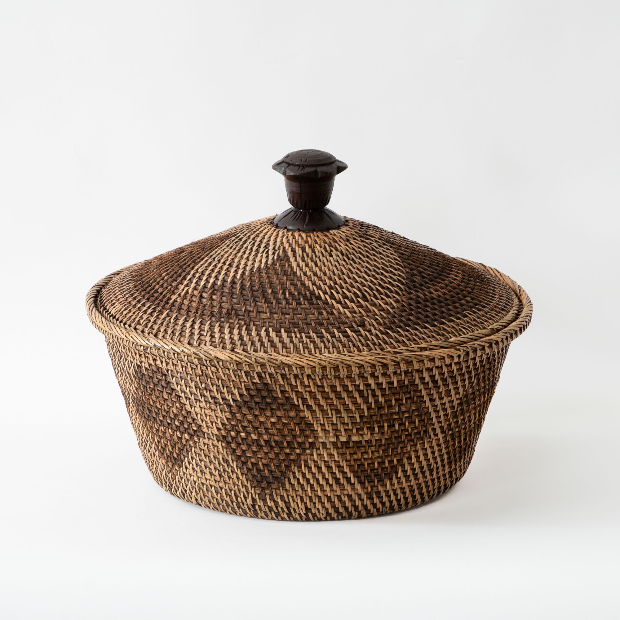 Art of Borneo - Fruit Basket with Umbrella Lid and Knob