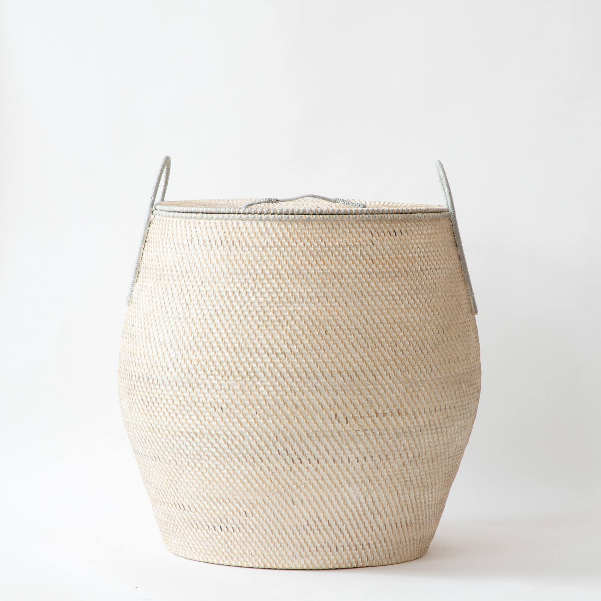 Hata Islander Pot with Grab Handles