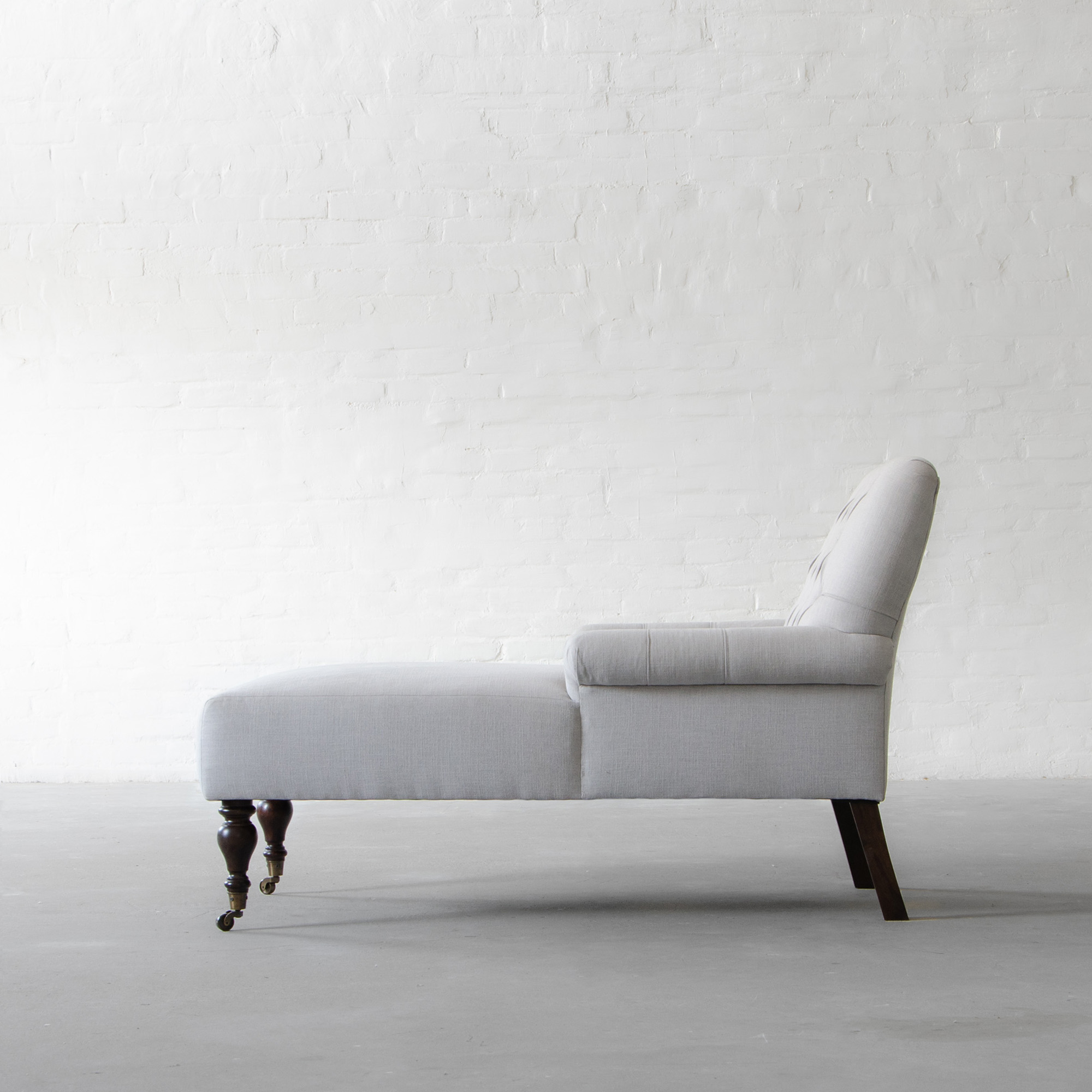 Gulmarg Chaise Collection