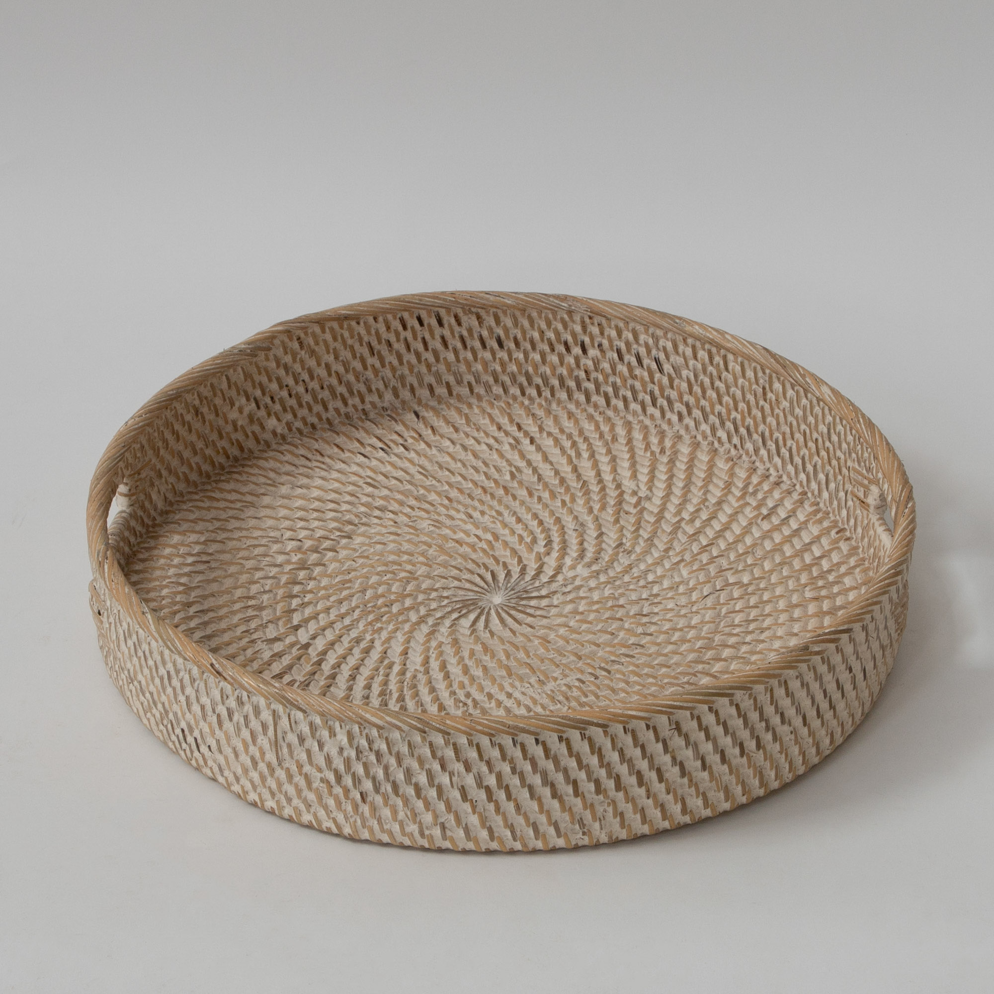 Hata Rattan Round Serving Tray With Handles – Beach Sand