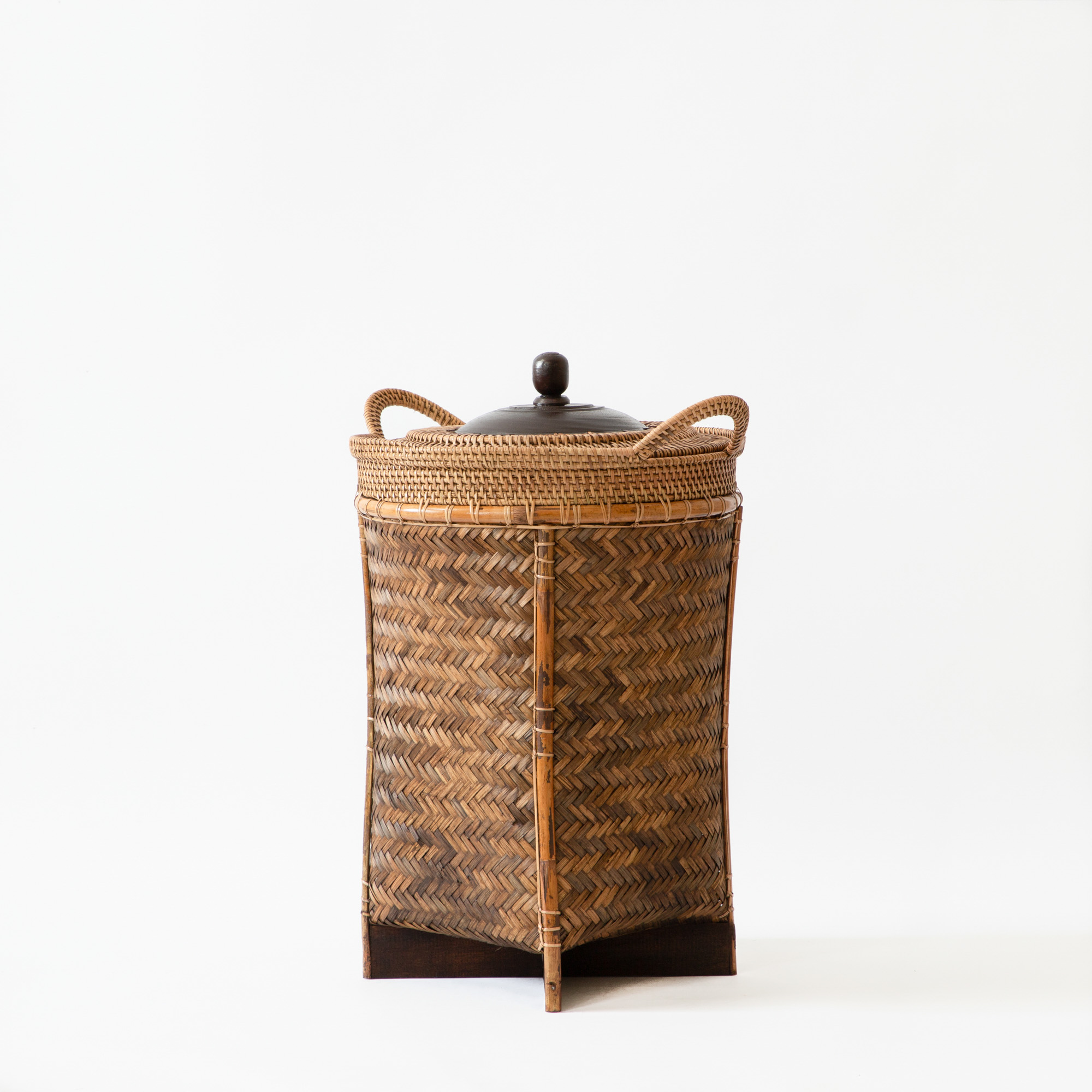 Square Bottomed Borneo Storage Basket with Lid and Knob