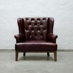 Loveseat Tufted Leather.