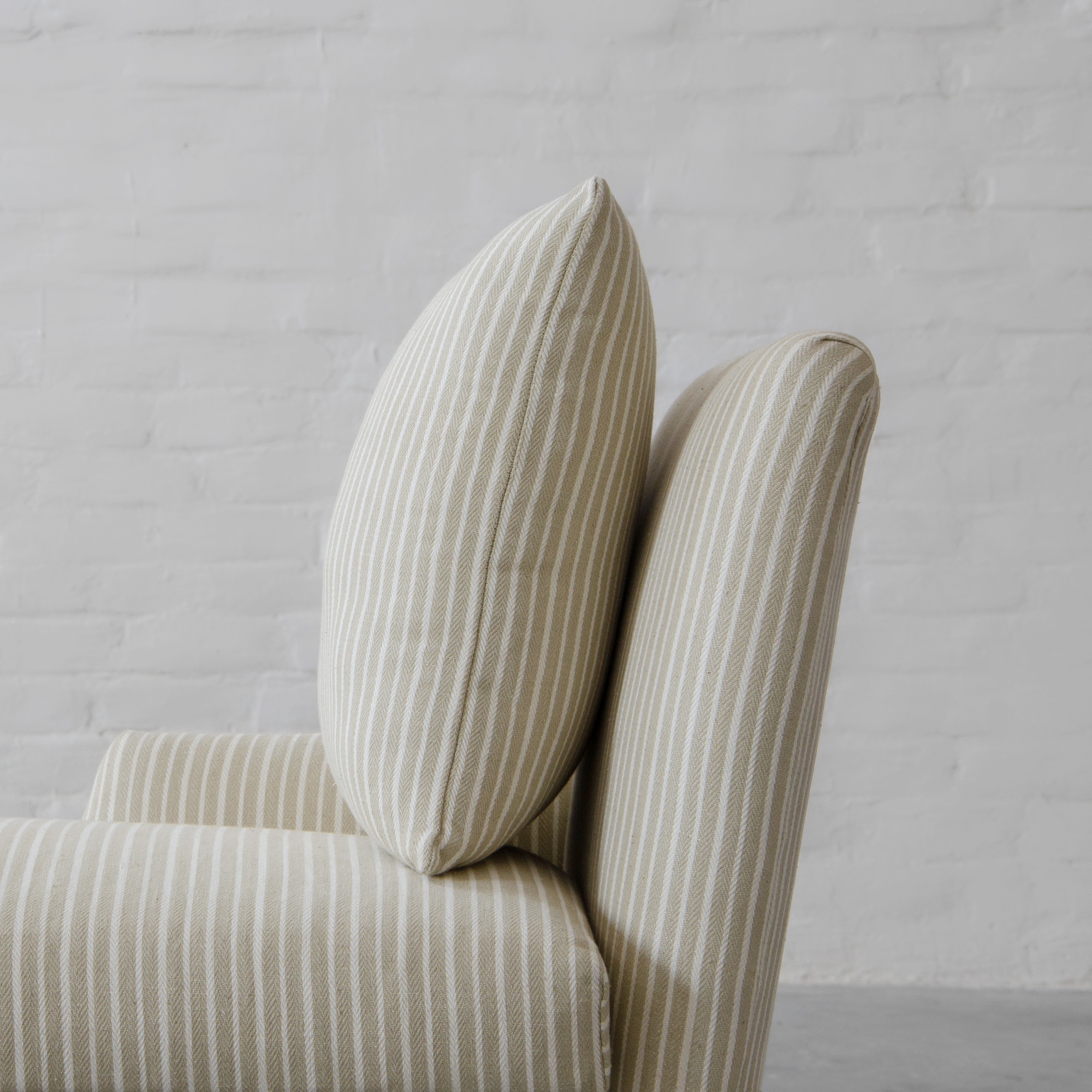 The Lighthouse Chaise - With Back