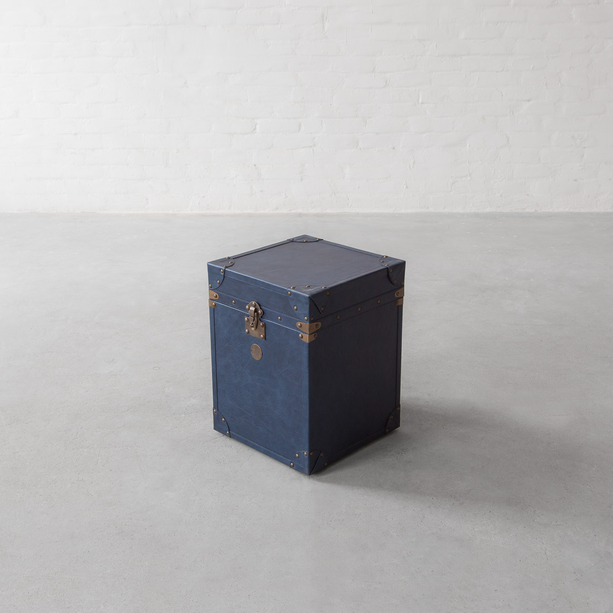 Udaipur Leather Trunk Side Table